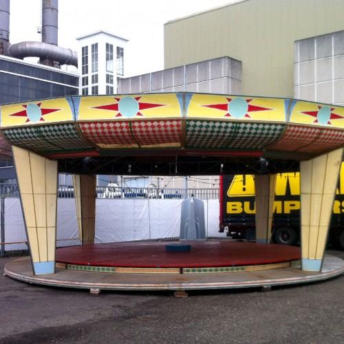 01-Carrousel-Podium